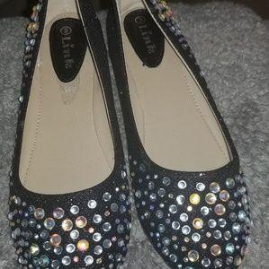 Link sz 3 girls shoes NWOT
